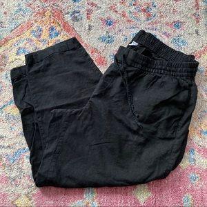 Old Navy Black Crop Pants.